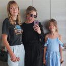 Вера Брежнева похвасталась подросшими дочерьми