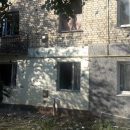 Выбитые окна и разломанные крыши: появились фото последствий артобстрела Врубовки