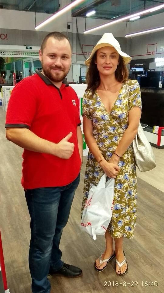 Голливудская звезда из Бердянска покупала технику в местном магазине (Фото)