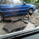 По Крыму «прошелся» мощный смерч: в сети появились фото стихии, затопившей улицы и переходы