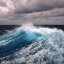 Бархатный сезон отменяется: в сети показали кадры сильнейшего шторма в Азовском море (ФОТО)