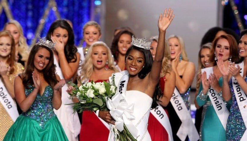 Красота: в США выбрали Мисс Америку