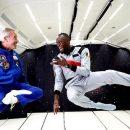 Кадри дня: найшвидша людина Усейн Болт провів з астронавтами забіг у невагомості  (відео)