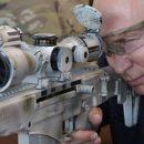 «Мачо с мега-пушкой»: Путин насмешил фото с винтовкой
