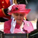 Для чого Єлизаветі ІІ потрібна третя рука