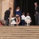 Жесткий конфуз: няня принца Джорджа и принцессы Шарлотты засветила нижнее белье на свадьбе