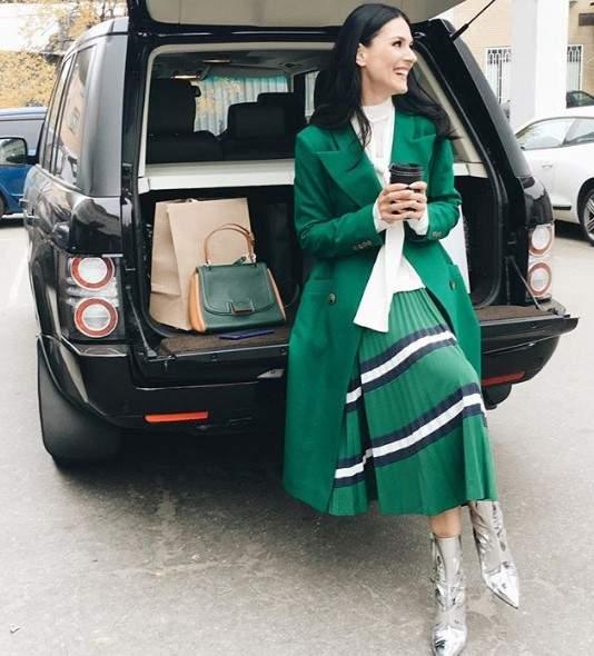Маша Ефросинина похвасталась юбкой за 40 тысяч