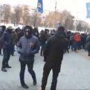 В Киеве националисты заблокировали ТРЦ друга Путина (видео)
