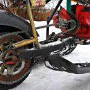 Житель Украины создал снегоход-мопед из бензопилы