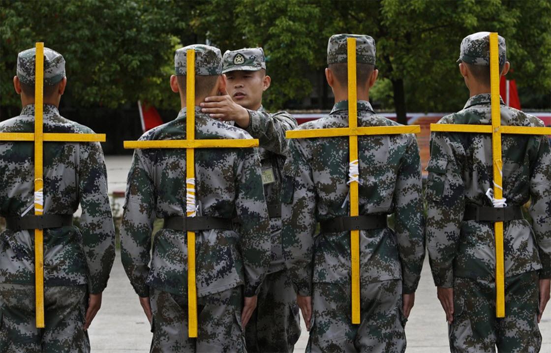 Самые суровые армейские тренировки (фото)