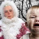 В России установили пугающую детей фигуру Деда Мороза