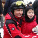 В сети высмеяли конфуз Путина на лыжной трассе