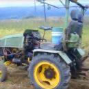 Украинцу удалось собрать трактор из ВАЗа