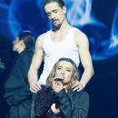 Наталья Могилевская опубликовала жаркие фото со своим новым партнером