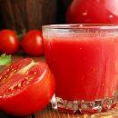 Медики назвали сок, эффективно защищающий от образования тромбов