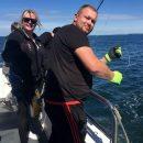 Женщина поймала на удочку пятиметровую акулу весом 544 килограмма