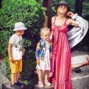 Слава Каминская вызвала спор в сети из-за откровенного наряда при детях