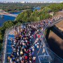 В Киеве снова закрыли новый пешеходный мост Кличко