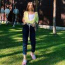 Дочь Елены Кравец предстала в ярком летнем образе