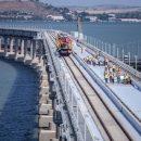 Катастрофа стала еще ближе: на Крымском мосту проложили первый ж/д путь