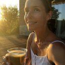 35-летняя Катя Осадчая поразила сияющим внешним видом без грамма макияжа
