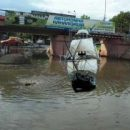 Пираты Карибского моря: В сети беспощадно троллят затопленный Ужгород