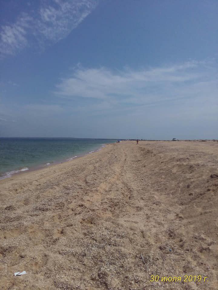 Туристы забыли сюда дорогу: Появились показательные фото Арабатской стрелки в Крыму