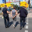 Женщина кричала о помощи: в Киеве мужчина поджег квартиру с матерью (видео)