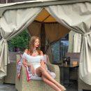 Валевская показала стройные ноги в откровенном платье (фото)