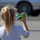 На Житомирщині маленькі діти впали в алкогольну кому (відео)