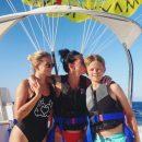 Дочь Потапа показала, как проходит отдых на море