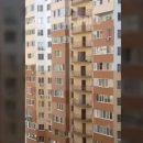 В Одессе неизвестный спускался с 17-го этажа по балконам (видео)