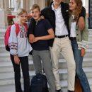 Младшая дочь короля Бельгии пришла в школу в украинской вышиванке (фото)