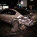 Шёл на обгон: В столице водитель BMW X5 раздавил припаркованный Volkswagen и два других авто