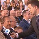 Пошел в зал с микрофоном: Зеленский удивил выступлением на форуме YES. Видео