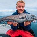 «Динозавр-инопланетянин»: норвежский подросток поймал удивительную рыбу