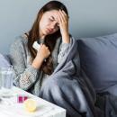 Медики рассказали, какие опасные болезни маскируются под простуду