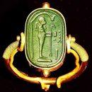В гробнице Тутанхамона нашли «кольцо инопланетянина»: фото