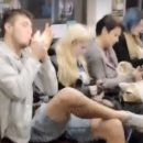 Наглый пассажир курил в вагоне столичного метро