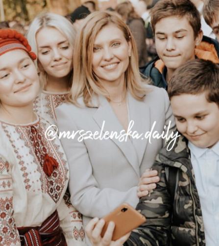 Три мамы и шесть детишек: Елена Зеленская поделилась новыми фото