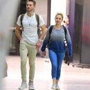 Бывшая невеста Владимира Кличко замечена в аэропорту со скандальным возлюбленным