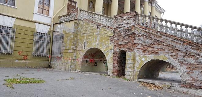 В сети показали разваливающийся Потемкинский дворец в Днепре
