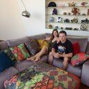 Дмитрий Комаров показал домашнее фото с молодой женой