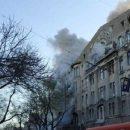 Люди выпрыгивали из окон: в Одессе страшный пожар охватил колледж