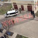 В Одессе мужчина из окна открыл огонь по детям: Его задержал спецназ