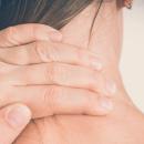 Врач назвала болезни, из-за которых может болеть затылок
