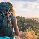 Туристические рюкзаки разных моделей и расцветок
